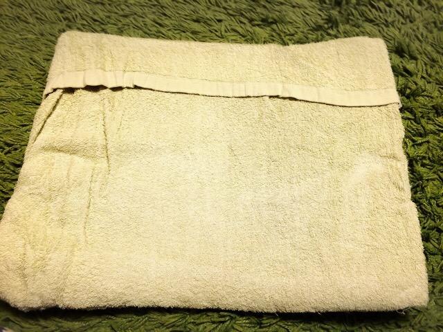 段ボールをタオルで包むだけでもOK
