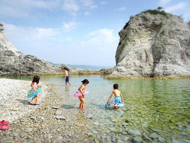 浄土ヶ浜での海水浴