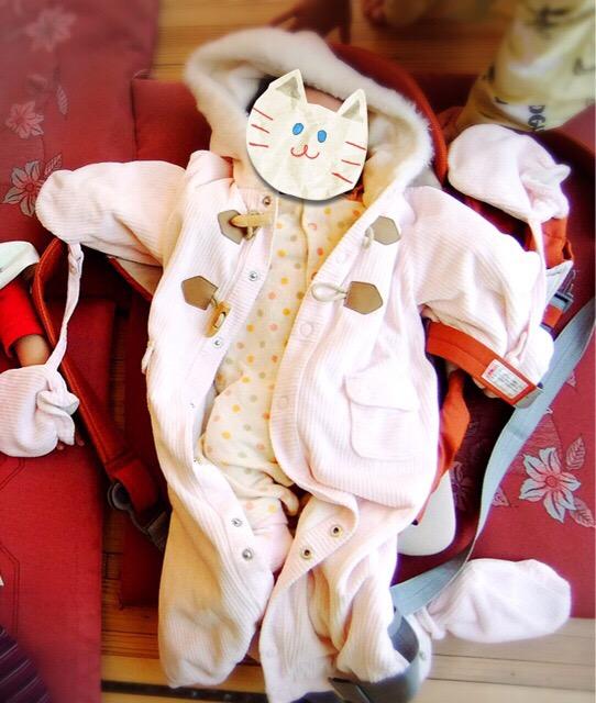 産後1か月の外出時の服装。あまり厚着はしていないですね…