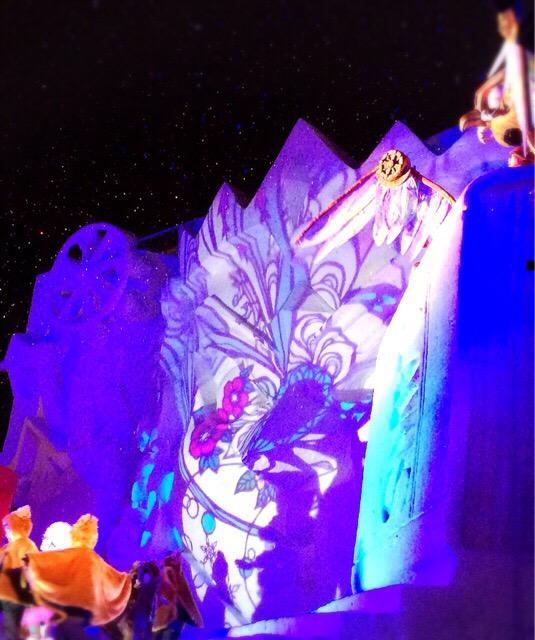 2015年に開催された「人形劇オペラ 雪の国のアリスの一幕」