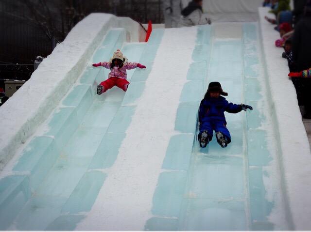 滑り台により年齢制限があるものとないものがあります