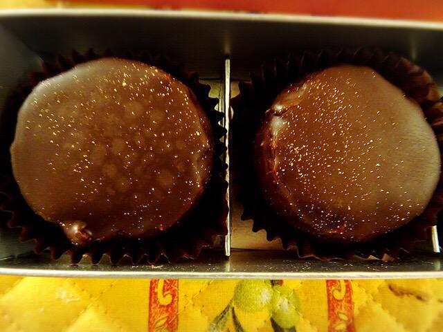 ラム酒の風味がするチョコマロン