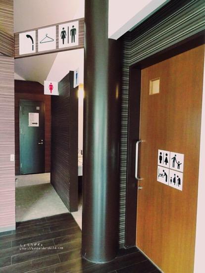 管理棟にあるトイレ。きれいです!