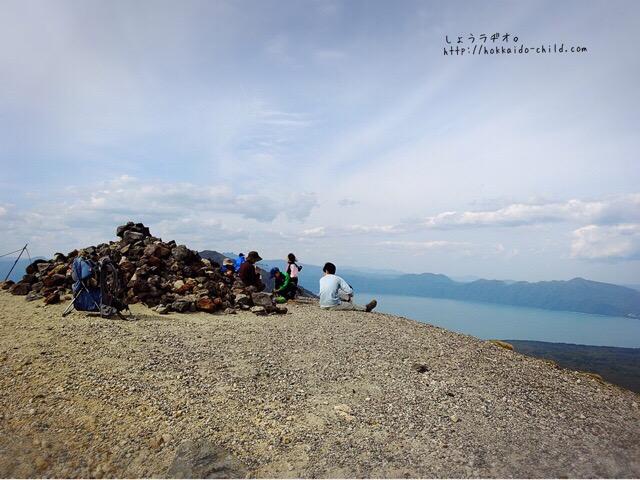 山頂で休憩タイム