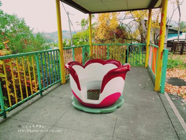 お花のベンチ
