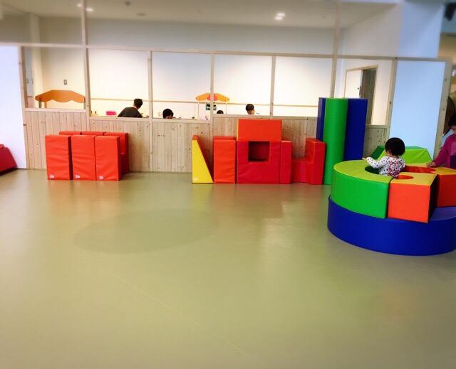 大きなブロックを組み合わせて遊び方は自由自在。