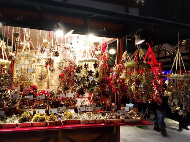 各国のクリスマス工芸品の美しさにうっとり!