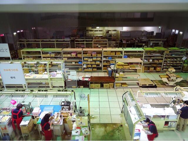 お人形作りの工場見学
