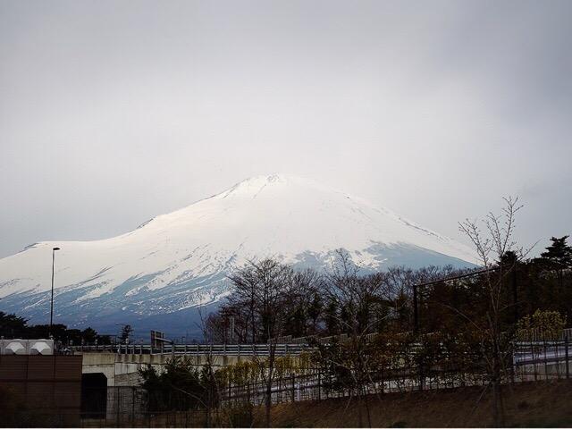 すぐ近くにある道の駅からの富士山