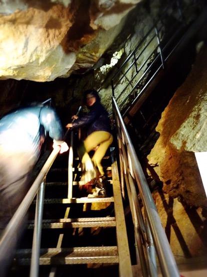 急こう配の階段が多いです