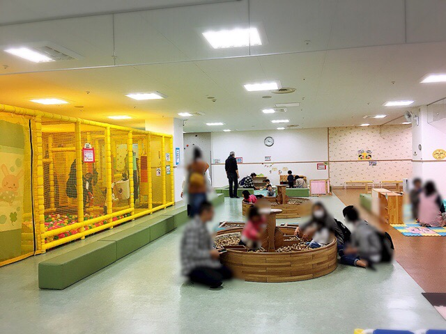 大人気の木のおもちゃスペース。