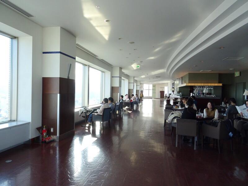 JRタワー展望室内のカフェでのんびり