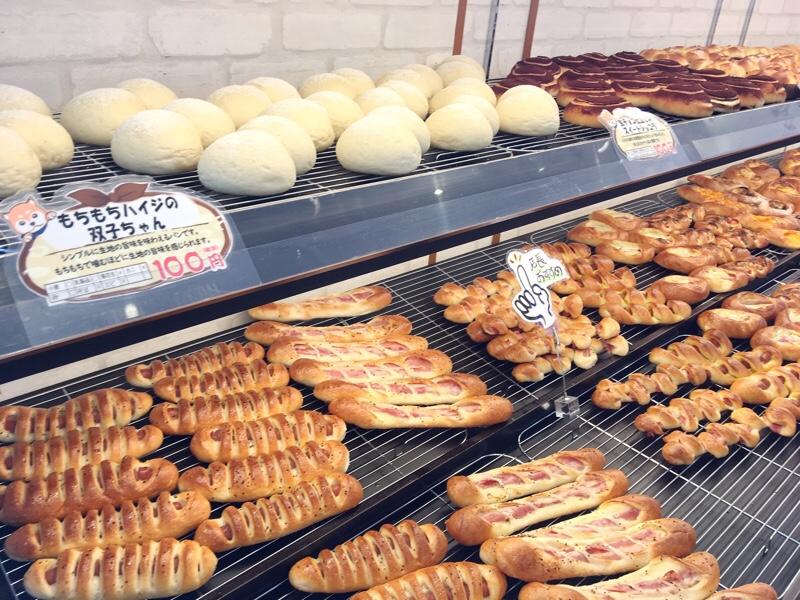 伊三郎製パンの店内