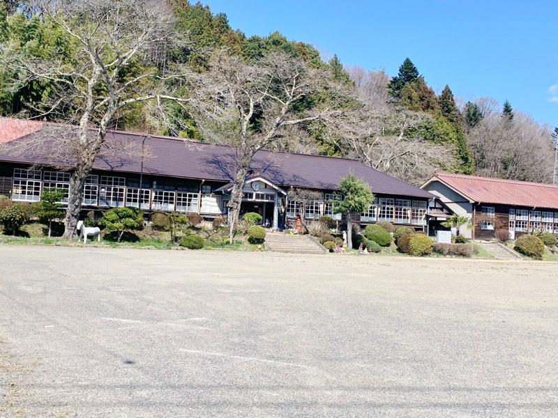 旧上岡小学校の木造校舎